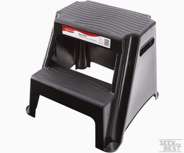 4. Rubbermaid Molded Plastic Stool w/ Non-Slip Steps